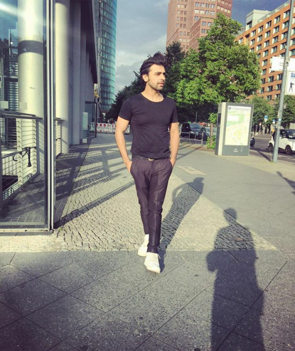 The Hocane siblings and Farhan Saeed enjoying in Germany (4)