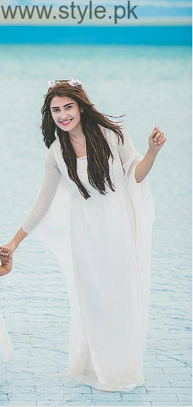 10 Times Ayeza Khan stunned in White dress (1)