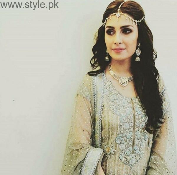 Ayeza Khan Bridal Pic