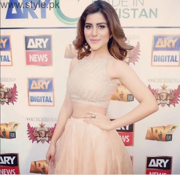 Best Makeup Looks of Sohai Ali Abro (8)