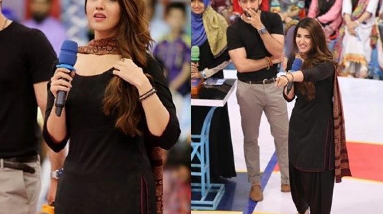 See Hareem Farooq looked super hot in Black Shalwar Kameez