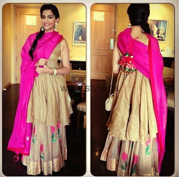 Latest Dresses 2016 for Mehndi Event (11)