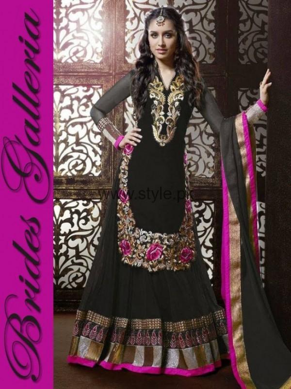 Latest Dresses 2016 for Mehndi Event (4)