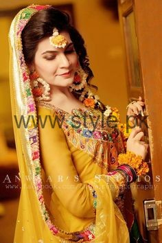 Latest Fresh Flowers Jewelry for Mehndi 2016 (10)