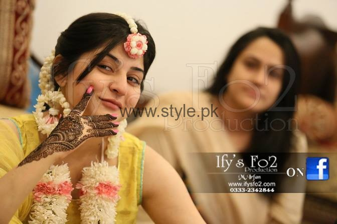 I Mehndi Flower Jewelry : Latest fresh flowers jewelry for mehndi