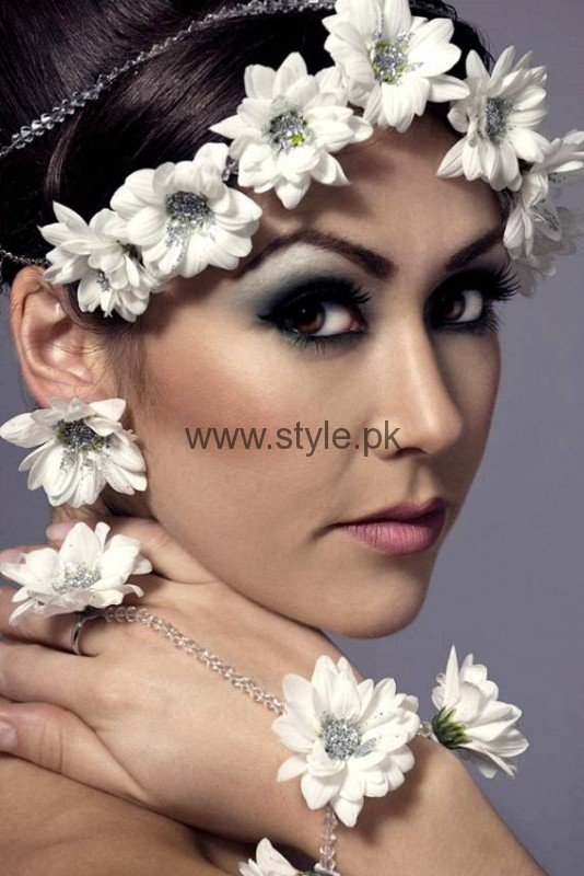 Latest Fresh Flowers Jewelry for Mehndi 2016 (5)