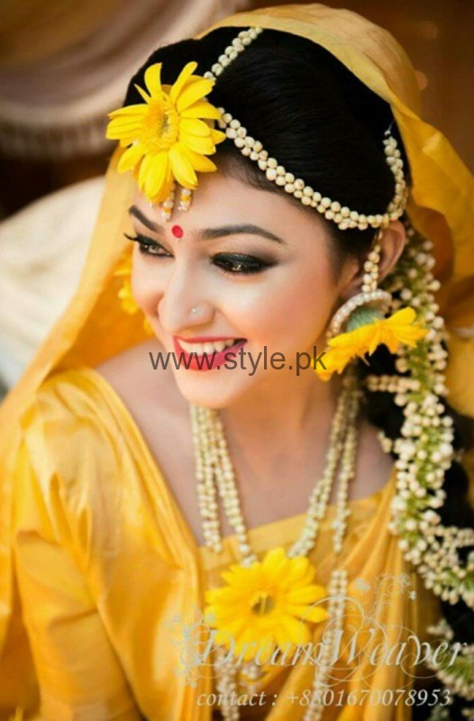 Latest Fresh Flowers Jewelry for Mehndi 2016 (6)