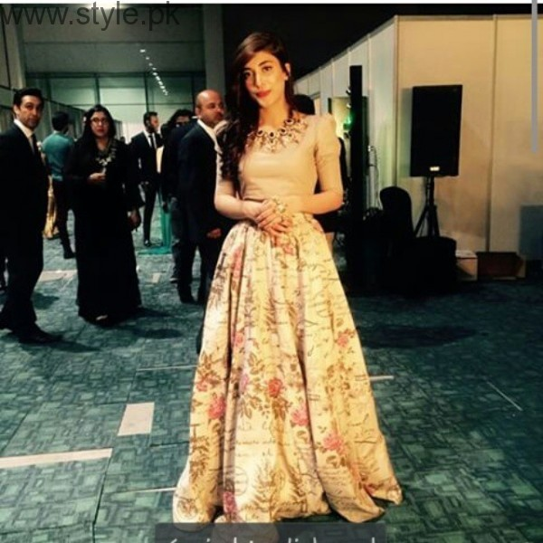 Urwa hocane in long skirt