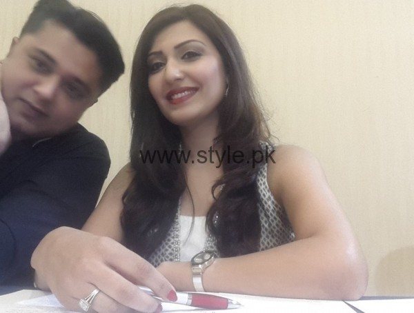 Maheen Rizvi at a Recent Event with her Husband (5)