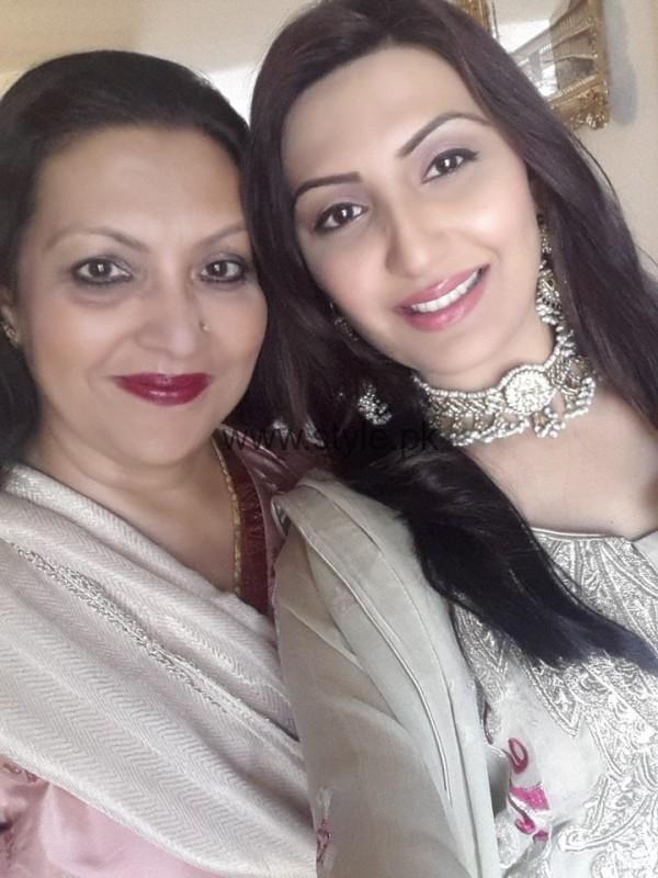 Maheen Rizvi's family Pictures (8)
