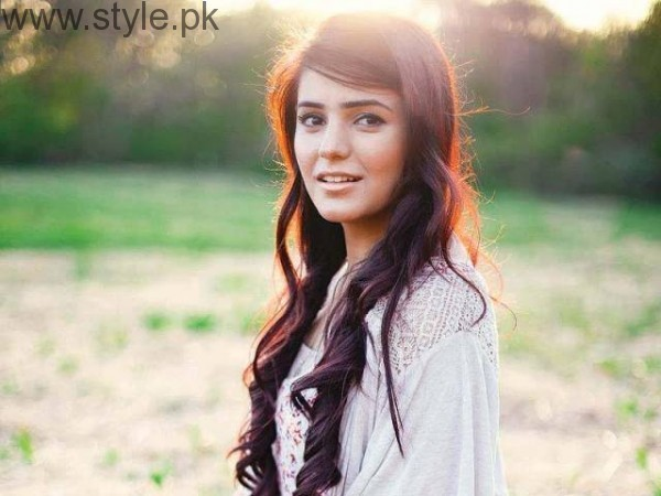 Momina Mustehsan's Biography and Pictures (5)