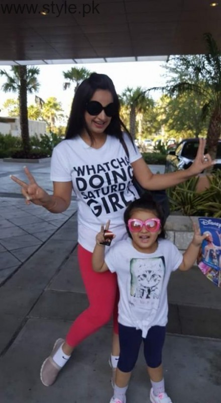 Noor Bukhari Enjoying in USA with her family (5)