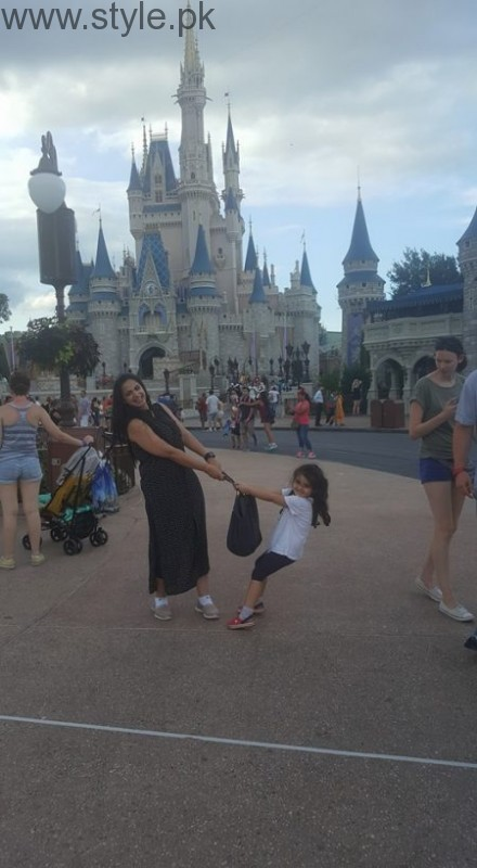 Noor Bukhari Enjoying in USA with her family (7)