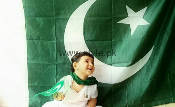 Taimoor Family Celebrating Independence Day 2016 (2)