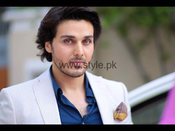 Top 5 Pakistani Celebrities Who Are Ruling Television Screen Now001
