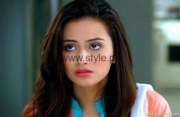 Top 5 Pakistani Celebrities Who Are Ruling Television Screen Now005