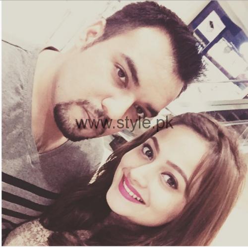 Zarnish Khan with her Husband (2)