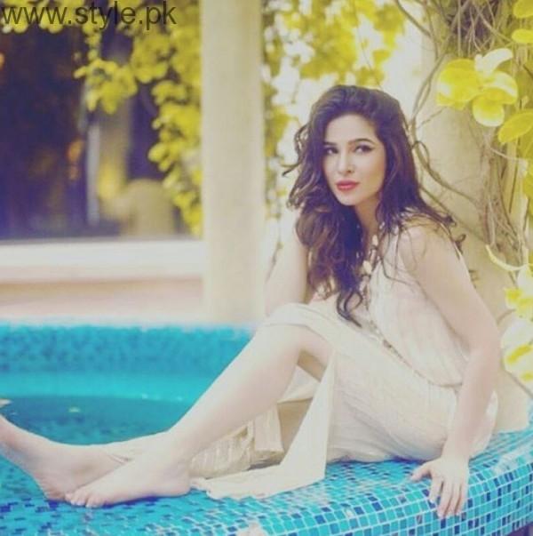 Ayesha Omer Hot Pic