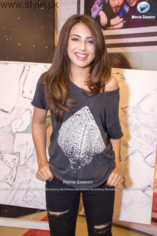 Celebrities at Premiere of Zindagi Kitni Haseen Hai (13)