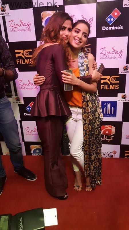 Celebrities at Premiere of Zindagi Kitni Haseen Hai (2)