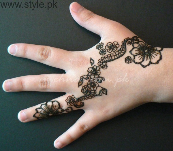 Latest Mehndi Designs 2016 for Kids (11)