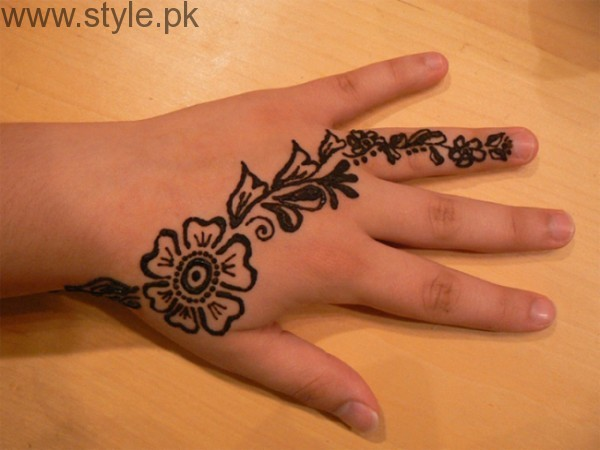 Latest Mehndi Designs 2016 for Kids (17)
