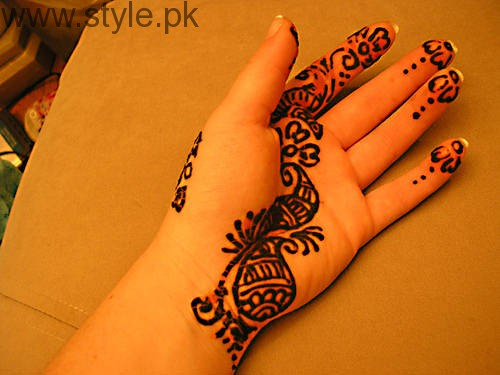 Latest Mehndi Designs 2016 for Kids (18)