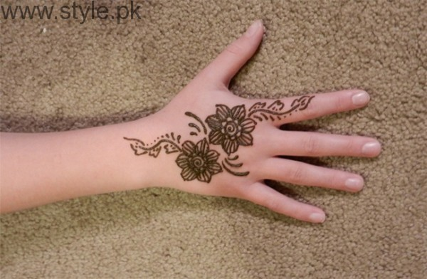 Latest Mehndi Designs 2016 for Kids (2)