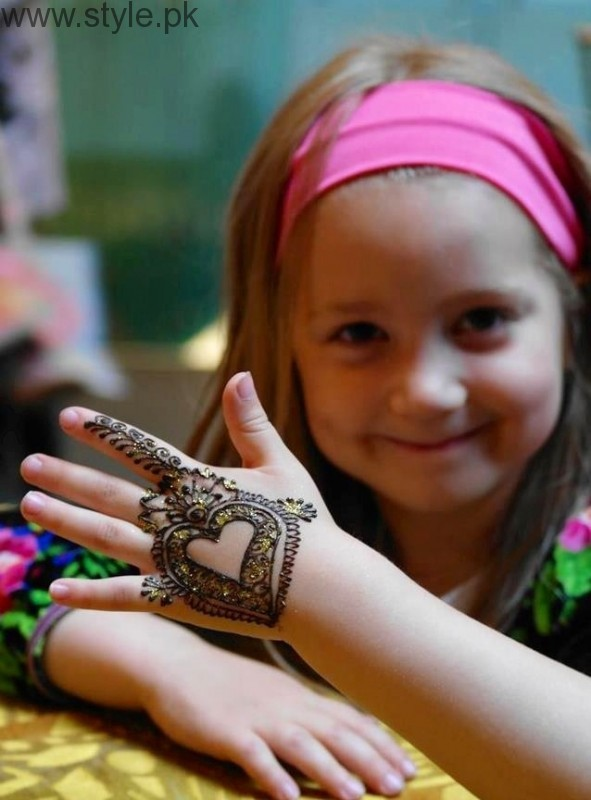 Latest Mehndi Designs 2016 for Kids (7)