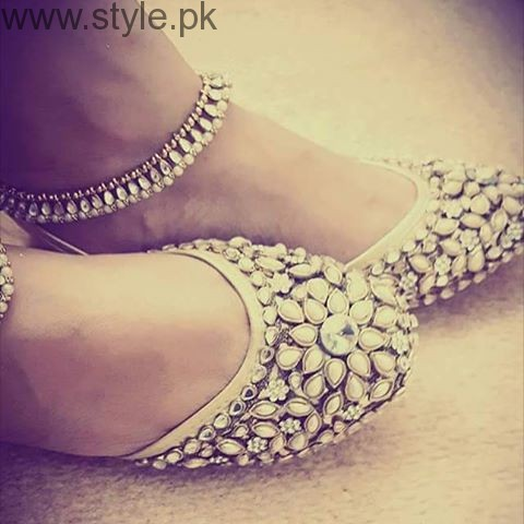 Latest Pakistani Khussa Designs 2016 for Eid (7)