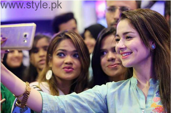 New Comer Hania Amir's Biography and Pictures (3)
