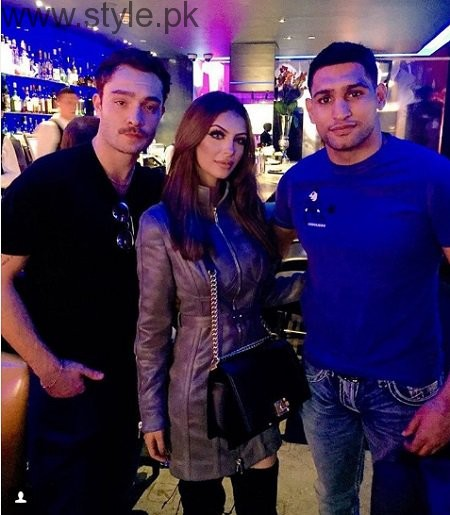 Pictures of Boxer Amir Khan with his Wife (2)