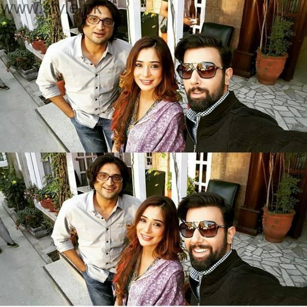 Recent Clicks of Indian Actress Sara Khan and Noor Hassan (12)