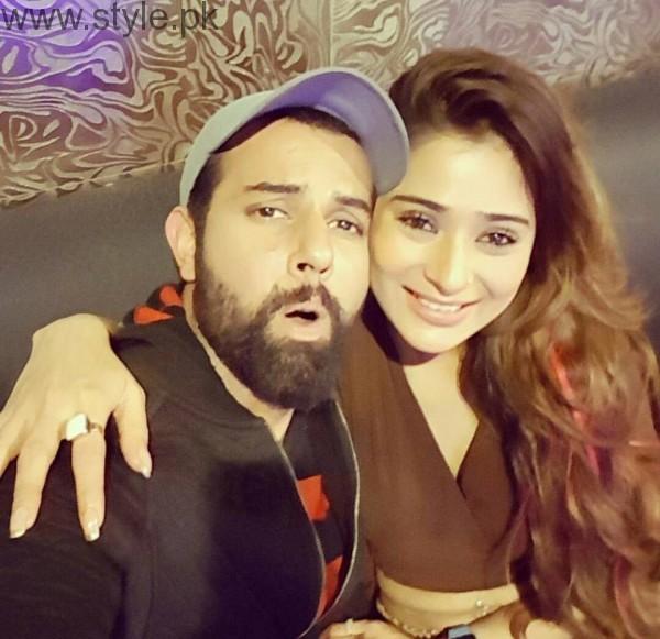 Recent Clicks of Indian Actress Sara Khan and Noor Hassan (2)