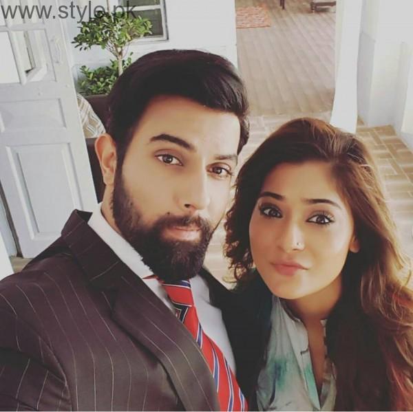 Recent Clicks of Indian Actress Sara Khan and Noor Hassan (4)