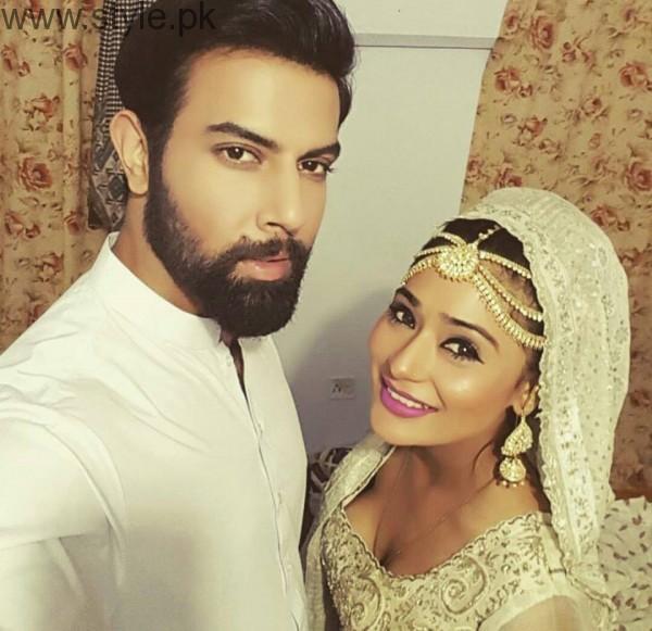 Recent Clicks of Indian Actress Sara Khan and Noor Hassan (5)