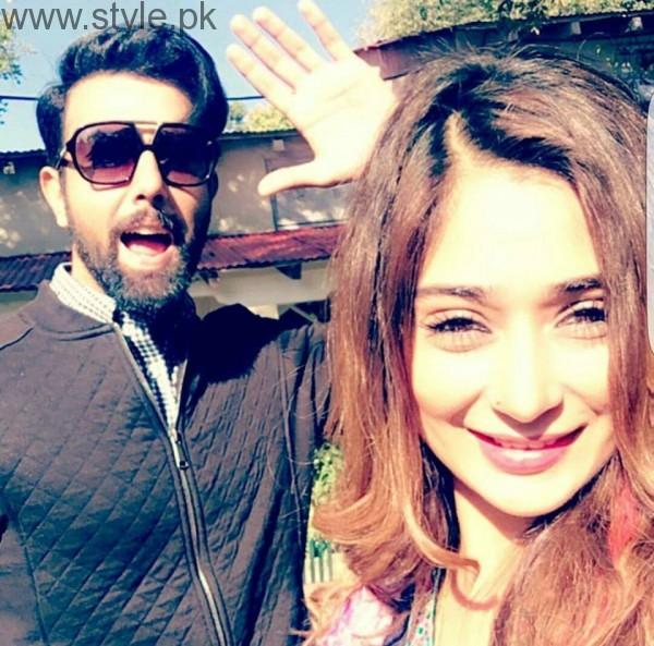 Recent Clicks of Indian Actress Sara Khan and Noor Hassan (7)