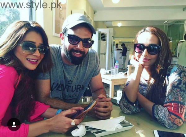 Recent Clicks of Indian Actress Sara Khan and Noor Hassan (9)