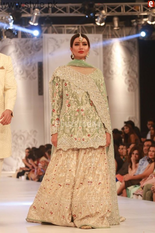 Sania Maskatia at PFDC L'Oreal Paris Bridal Week 2016 Day 1 (12)