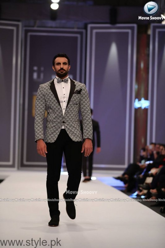 Aamir Adnan Collection at Fashion Pakistan Week 2016 (2)