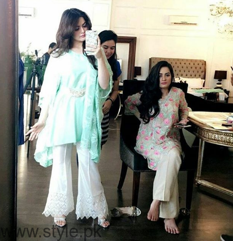 Aiman Khan and Minal Khan's photoshoot for Agha Noor (1)