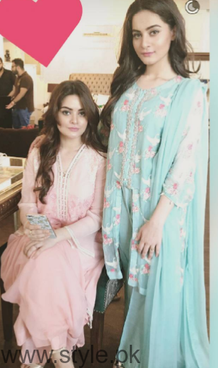 Aiman Khan and Minal Khan's photoshoot for Agha Noor (11)