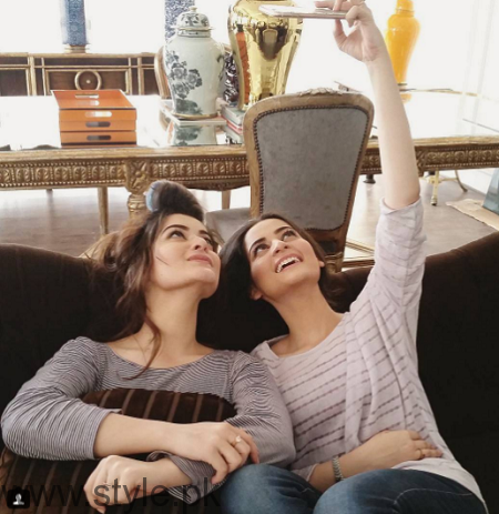 Aiman Khan and Minal Khan's photoshoot for Agha Noor (2)
