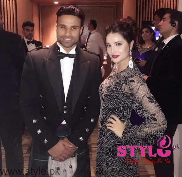 Armeena Rana with Rahim Pardesi Asian Media Awards
