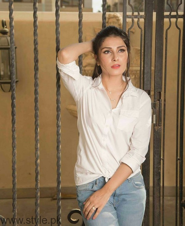 Ayeza Khan's Photoshoot for OK Pakistan (2)