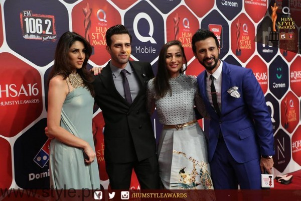 Celebrities at Qmobile HUM Style Awards 2016 (17)