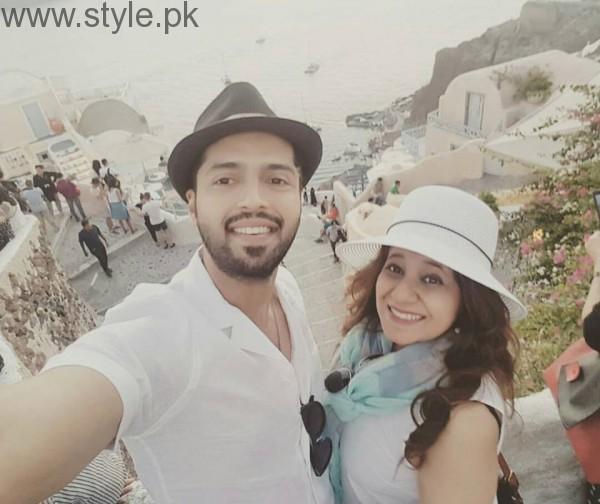 Fahad Mustafa is vacationing with wife in Greece (2)