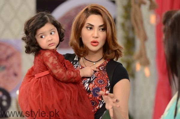 Fiza Ali with her daughter in Good Morning Pakistan (8)