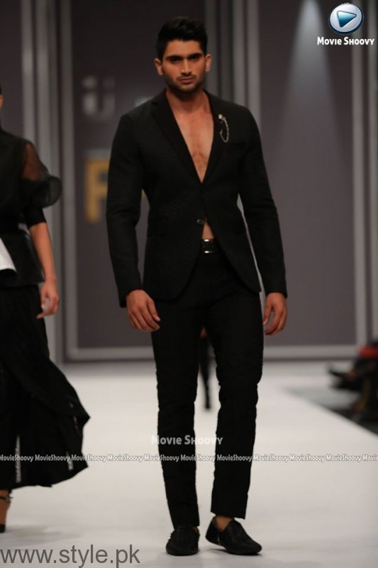 HSY Collection at Fashion Pakistan Week 2016 (2)