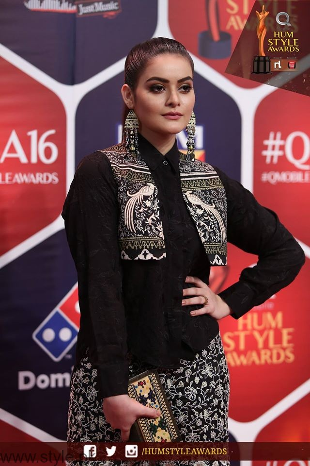 MinalKhan HUM TV Style Awards